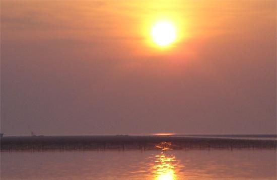 日の出頃 漁場_2345看图王.JPG